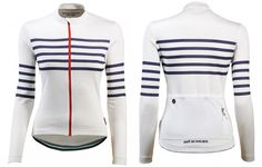 New this season, Claudette is the long sleeve autumn-winter version of our iconic striped jersey. With a tailored female specific fit and constructed from a highly technical merino blend with a dash of silk, it combines fantastic performance across a range of conditions and extreme comfort.