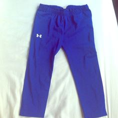 Under armour cropped leggings Worn only a few times Under Armour Pants