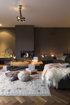 As an interior designer, you can discover modern luxury living room design ideas combining luxurious materials with a light gold Home Living Room, Living Room Decor, Living Spaces, Small Living, Cozy Living, Mauve Living Room, Living Room Inspiration, Inspiration Design, Bungalow