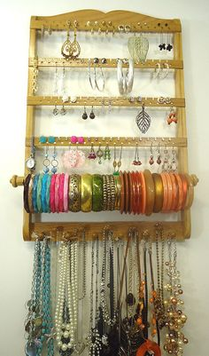 Jewelry Holder, 72 -144 Pair Earring Storage, Bangle Bracelet Rod, 11 Peg Necklace Organizer, Honey Stain, Beautiful Wall Organizer door JewelryHoldersForYou op Etsy https://www.etsy.com/nl/listing/177489294/jewelry-holder-72-144-pair-earring