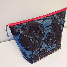 Ohjetta ja vähän muutakin - Pientä kivaa Pouch, Purses, Sewing, Wallets, Bags, Handbags, Handbags, Dressmaking, Couture