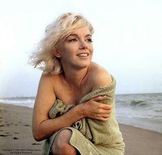 Wonderful photo of Marilyn Monroe on Santa Monica Beach by George Barris, shortly before her death in 1962.