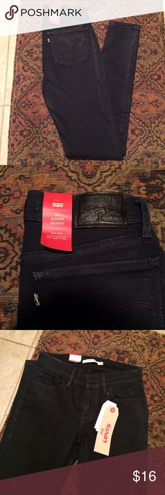 Levis 710 Super Skinny Jeans 24X30. These jeans are very very dark navy and almost appear black. Levi's Jeans Skinny
