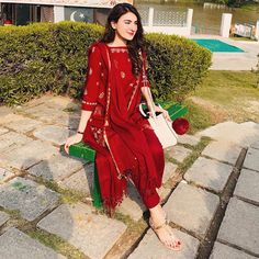 When you have tiny eyes & it's a sunny day. 🌞  I'll always be a fan of these simple hand-embroidered outfits by ♥️ … Pakistani Fashion Casual, Pakistani Dresses Casual, Pakistani Dress Design, Indian Fashion, Pakistani Girl, Indian Wedding Outfits, Indian Outfits, Indian Weddings, Eid Outfits
