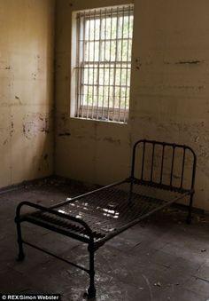 Cane Hill Asylum In 2019 Abandoned Asylums Abandoned