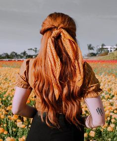 🌻 🌻 🌻 Had so much fun at sunset wine tasting last night! Cheese plates in the middle of a field of flowers as the sun… Danielle Victoria, Ginger Hair, Beautiful Models, Wine Tasting, Fields, Dreadlocks, Poses, Hair Styles, Beauty