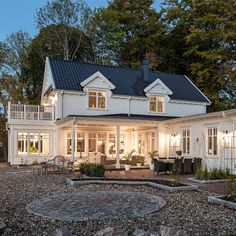 String Lights Outdoor Patio - New ideas New England Hus, German Houses, Nordic Home, String Lights Outdoor, Hamptons House, My Dream Home, Future House, Beautiful Homes, Building A House