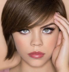 Best Hair Colors For Blue Eyed Woman, Hair coloring can be scary. With color options aplenty, it is so easy to go wrong. But if you keep some key factors in mind, it is just as easy to go right. Brown Hair Colours For Blue Eyes, Cool Tone Hair Colors, Hair Color For Warm Skin Tones, Neutral Skin Tone, Dark Blue Eyes, Hair Color For Fair Skin, Hair Color Blue, Cool Hair Color, Blue Grey
