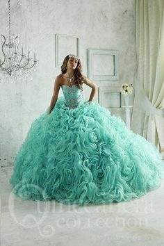 26801   Texas Divas Boutique, Quinceanera, Bridal, Prom and Pageant Wear