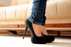 There's nothing like black pumps!