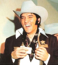 Elvis in the 70s | Elvis Presley 70s Photo Special Page 52