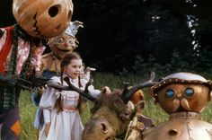 """Return to oz 