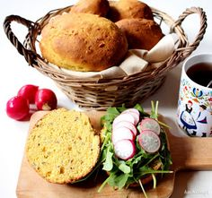 Kuch.com.pl: BUŁKI KUKURYDZIANE Z SIEMIENIEM LNIANYM I SŁONECZNIKIEM Feta, Eggs, Breakfast, Morning Coffee, Egg, Egg As Food