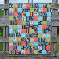 Making baby quilt patterns does not need to take too much time and effort. While adorable designs can be irresistible, baby quilt patterns that will actually be used do not need to be complicated. The No-Fuss FQ Baby Quilt uses 9 fat quarters to create absurdly simple patchwork.