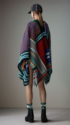 af0be6ca8d7aad Poncho in misto cashmere e lana effetto patchwork (Multicolore) | Burberry  Stricken, Farben