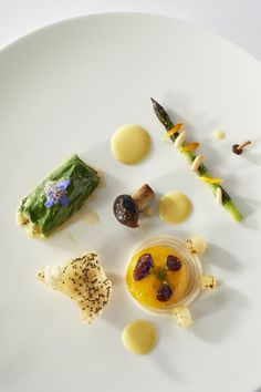 #bocusedor #bocusedoreurope2018 #contest #gastronomy #chefs #food #cooking #teambulgaria #plate ©Studio Julien Bouvier Bocuse Dor, Plate, Chefs, Panna Cotta, Europe, Studio, Cooking, Ethnic Recipes, Food