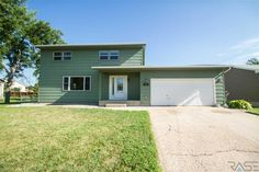 5 bedroom home in Tea, SD.  Price reduced!