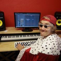 tfw u just finished mixtape hot enough to melt steel memes www.youtube.com/MairouTV #DJ #EDM #electronicmusic #music #electronicdancemusic #KRK #KRKrokit #rokit #FLstudio #ableton #avicii #deadmau5 #martingarrix #calvinharris #Producer #musicproducer #musicproduction #producerlife #EDMlife #edmgirls #king #funnyface #dankmemes #memes #funnymemes #memeface #studio #musicstudio #EDMstudio #futuremusic #piano #keyboard #qsenn #korean #mixtape #jetfuelcantmeltsteelbeams #bushdid911 #911…