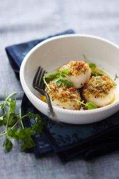 Roasted Scallops with Breadcrumbs and Bacon