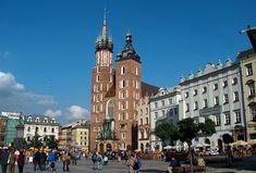 Krakow Old Town Walking Tour Ecuador, Pre Romanesque, Local Tour, Krakow Poland, Best Spa, Unique Architecture, Most Beautiful Cities, Kirchen, Eastern Europe