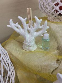 Bomboniere Claraluna Lecce in porcellana bianca, profumato re