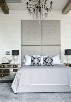 Love the navy and white...especially the lamps. #bedroom #navy