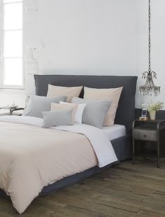 20 pretty duvet covers for a room in the air Bedroom Styles, Bedroom Colors, Room Decor Bedroom, Couple Room, Cheap Bedding Sets, Cool Beds, Luxury Bedding, Interior Design, Furniture