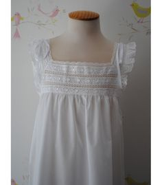 Girls Dresses, Flower Girl Dresses, Nighties, Kids Fashion, Make Up, Wedding Dresses, Ladies Capes, Little Girl Clothing, Fashion Clothes