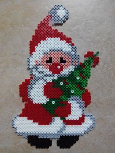 Weihnachts Ideen Noel with Christmas tree Bracelets – Fashionable and affordable attractions and var Melty Bead Patterns, Pearler Bead Patterns, Perler Patterns, Pearler Beads, Fuse Beads, Beading Patterns, Hamma Beads Ideas, Christmas Perler Beads, Motifs Perler