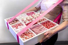 Sweetbox, gevuld met (roze en wit) snoep