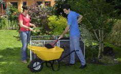 Die 10 wichtigsten Dünger für den Garten -  Beim Dünger haben Hobbygärtner die Qual der Wahl, denn die Regale im Gartenfachhandel sind prall gefüllt. Hier stellen wir Ihnen zehn verschiedene Düngemittel vor, mit denen Sie in der Regel auskommen.