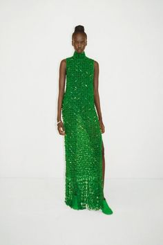 Fashion News, Fashion Beauty, Fashion Outfits, Catwalk Fashion, Luxury Fashion, Women's Fashion, Fashion Trends, Green Evening Dress, Evening Dresses