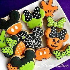 Halloween Cookie Recipes, Halloween Cookies Decorated, Halloween Sugar Cookies, Halloween Cakes, Halloween Birthday, Halloween Kids, Halloween Treats, Decorated Cookies, Birthday Ideas