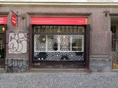 Original Coffee #hidden #prague #coffee #shop Prague, Cosy, Coffee Shop, Garage Doors, The Originals, Outdoor Decor, Home Decor, Coffee Shops, Coffeehouse