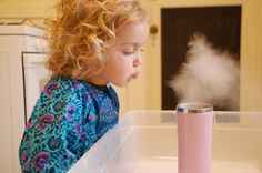 Dry Ice Experiment: ridiculously cool (sorry, couldn't resist) and something that will amaze your kids. And a perfect science experience to go along with Halloween. #science #experiment #kids