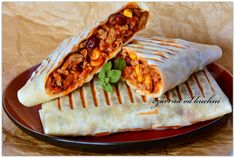 Tortille meksykańskie – czarrnaodkuchni Tasty, Yummy Food, Shawarma, Appetisers, Quesadilla, Food Truck, Fine Dining, Appetizer Recipes, Meal Prep