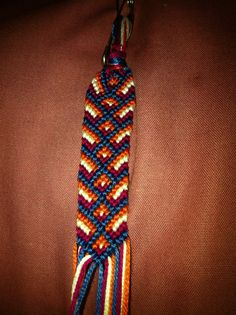 Added by jennbail Friendship bracelet pattern 4596 #friendship #bracelet #wristband #craft #handmade #chevron