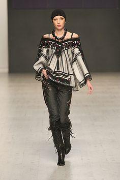 Ukrainian fashion designer Roksolana Bogutska reinvents the Ukrainian blouse. (amazing!!)