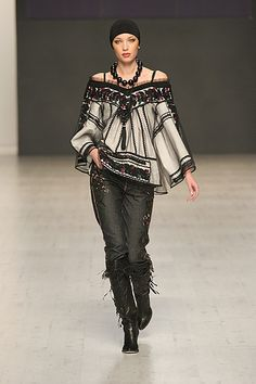 Ukrainian fashion designer Roksolana Bogutska reinvents the Ukrainian blouse. (amazing!!)