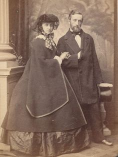 CDV - Couple in superb victorian Dress - Germany Hannover civil war era fashion Antique Photos, Vintage Photographs, Vintage Images, Old Photos, Victorian Era Fashion, Victorian History, Victorian Life, Cthulhu, Civil War Fashion
