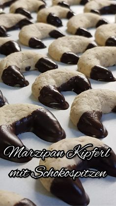 "Attention marzipan fans: These cookies are definitely a ""must-do-you-immediately . Holiday Baking, Christmas Baking, Christmas Recipes, Christmas Cookies, Chocolate Macaroons, Homemade Donuts, Baked Goods, Cake Decorating, Food Porn"