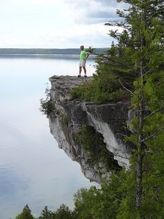 Travelling the Bruce Trail: Adventures close to home! #ourcanadamag