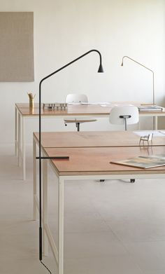http://www.idecz.com/category/Desk-Lamp/ Austere lamp by Hans Verstuyft for Trizo21 ATELIER DIA