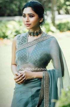 aarti ravi in grey sabyasachi organza saree 2 scaled Indian Fashion Dresses, Dress Indian Style, Indian Designer Outfits, Indian Fashion Trends, Indian Bridal Fashion, India Fashion, Trendy Sarees, Stylish Sarees, Simple Sarees