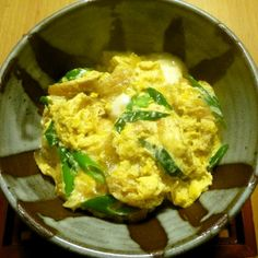 As long as you have onion, aburaage and eggs, you can make this dish in no time. If you have tempura crumbs, it's even better!