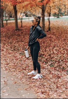 Cute Workout Outfits, Fitness Outfits, Workout Attire, Workout Wear, Fitness Fashion, Winter Workout Outfit, Fitness Style, Yoga Fashion, Fitness Clothing