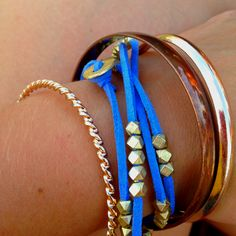 Leather and gold beads DIY bracelet