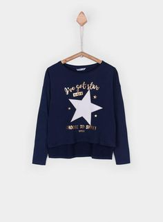 About I've got Star Sweatshirt DAPThis sweatshirt is Made To Order, we print the sweatshirt one by one so we can control the quality. Girls Tees, Camila, Disney Shirts, Direct To Garment Printer, Graphic Sweatshirt, T Shirt, Kids Wear, Kids Fashion, Girl Outfits