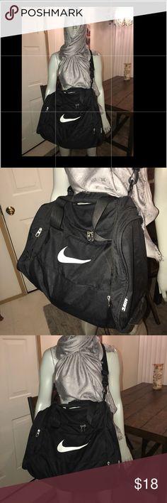 ... SALE FOR MEMORIAL ONLY🇺🇸Nike Gym Bag Nike gym bag, ... 27c9c1c821
