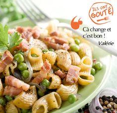 Pâtes aux lardons et petits pois à la crème _ http://www.cuisineaz.com/recettes/pates-aux-lardons-et-petits-pois-a-la-creme-60792.aspx